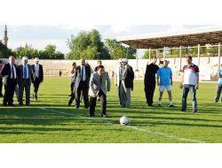 Atsonun Spor Oyunlarında Protokol Halat Çekme Yarışı Yaptı