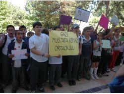 Uşak'ta Veliler 4+4+4 Eğitim Sistemini Protesto Etti