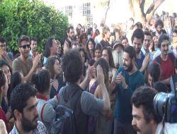 Taksim Gezi Parkın'da Ağaçlar Kesilmesin Eylemi