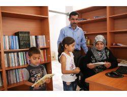 Kuskanlılar, Halk Kütüphanesinden Ayda 500 Kitap Alıyor