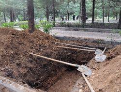 İslamköyde Nazmiye Demirelin Mezarı Hazırlandı