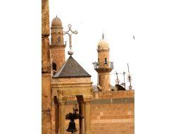 Mardinde Taşın Ve İnancın Kardeşliği Cami Ve Kiliseye Yansıyor
