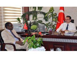 Gineli Bakan: Türkiye İle Gıda Güvenliği Konusunda İşbirliği Yapmak İstiyoruz
