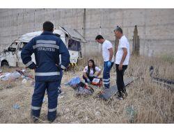 Lastiği Patlayan Minübüs Köprüden Uçtu 7 Tarım İşçisi Öldü
