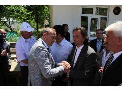 Vali Kızılcıktan, Gazeteci Karagül'e Taziye Ziyareti