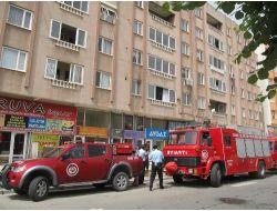 Apartmanda Çıkan Küçük Yangın Tüpçüyü Bayılttı