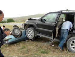 Cip Otomobili Ezdi: 2 Yaralı
