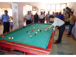 Mardin Valisi Cengiz, Gençlerle Bilardo Oynadı