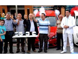 Suat Altın İnşaat, Ev Alan Müşterilerinden Üç Kişiye Otomobil Hediye Etti