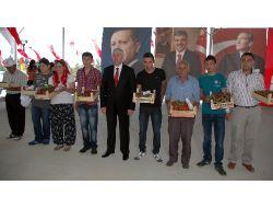 27. Sivaslı Altın Çilek Kültür Ve Turizm Festivali Başladı