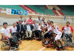 Diyarbakır'da Dostluk Kazandı, Üç Takım 1. Lig'e Çıktı