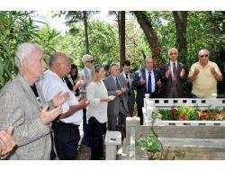 Beşiktaşta Üstünkaya Mezarı Başında Anıldı