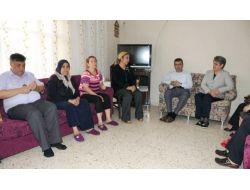 Hatay Valisi Lekesiz Ve Eşi, Reyhanlı'da Taziye Ziyaretinde Bulundu