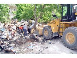 Hurdacının Evinden 10 Kamyon Çöp Çıktı
