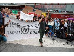 Gezi Parkı Gösterisinde Türkiye Karşıyı Milletvekiline Alkış