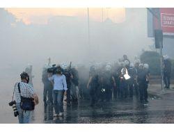 Polis Dolmabahçede Göstericilere Müdahale Etti