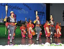 Erguvan Halk Oyunları Topluluğu Bursalıları Coşturdu