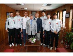 Tophane Badminton Takımından Gülsar'a Ziyaret
