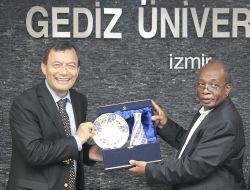 Gediz Üniversitesi, Zambiya Eğitim Bakanı Phiri'yi Ağırladı