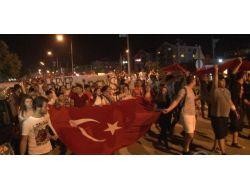 Bursada Binlerce Kişi Fsm Bulvarında Trafiği Kapatarak Eylem Yaptı