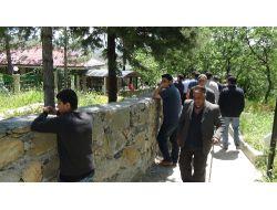Gavs-i Hizan'i Hazretlerinin Türbesi Ziyaretçi Akınına Uğruyor