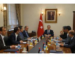 Başbakan Vekili Arınç, Taksim Platformunu Kabul Etti