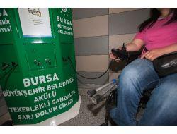 Engelliler, Akülü Tekerlekli Sandalyelerini Metro İstasyonunda Şarj Edebilecek