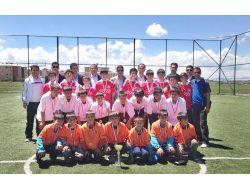İmkb Gazi Ortaokulunda Sınıflar Arası Futbol Müsabakaları