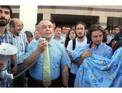 Kocaeli Üniversitesinden, Eyleme Katılan Öğrencilere Mazeret Sınavı Hakkı
