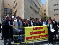 Çhd Üyesi Avukatlar Gezi Olaylarına Tepki Gösterdi