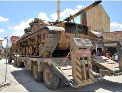 Tsk, Suriye Kobani Sınırına Askeri Sevkiyat Gerçekleştirdi
