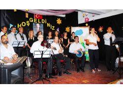 Öğretmenler Korusu İlk Konserini Verdi