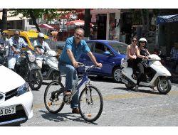 Başkan Saatcı Programlarına Bisikletle Gitti
