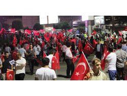 Başbakanı Karşılamak İsteyenler Atatürk Hava Limanına Geldi