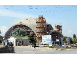 Hendekte 5 Bin Kişilik Caminin Kubbe İnşaatı Tamamlandı