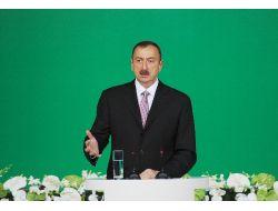 Azerbaycan İktidar Partisi Aliyevi Yeniden Cumhurbaşkanlığına Aday Gösterdi