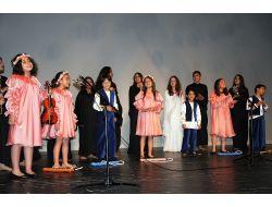 Gönül Elçileri Tanıtım Programında Öğrencilerin Gösterisi Beğeni Topladı