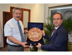 AKP Diyarbakır İl Başkanı Altaç'tan Vali Kıraç'a Ziyaret