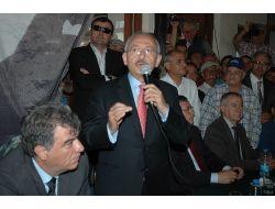 'Başbakan Kemal' Sloganı Atan Kalabalığa Sandığı İşaret Etti