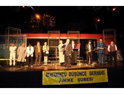 Büyükşehir Belediyesi Finikelileri Tiyatroyla Buluşturdu