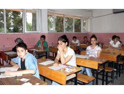 Öğrenciler Sbsde, Veliler Heyecanlı Bekleyişte