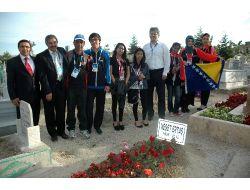 Olimpiyat Çocuklarından Neşet Ertaşın Mezarına Ziyaret