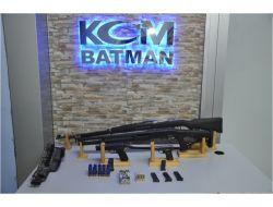 Batmanda Kaçak Silah Ele Geçirildi