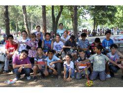 Kimse Yok Mu Derneği, Gönüllülerle İhtiyaç Sahiplerini Piknikte Buluşturdu