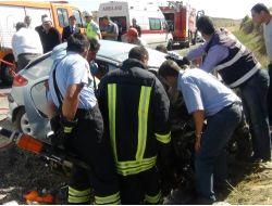 Yozgat'ta İki Otomobil Kafa Kafaya Çarpıştı