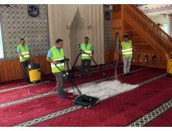 Camilerde Ramazan Öncesi Temizlik Çalışması