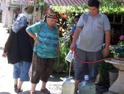 Susuz Kalan Mudanyalılar Çeşmelere Akın Etti