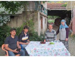 Üç Çocuğu Da Yurt Dışında Hizmet Veren Aile Ziyaret Edildi