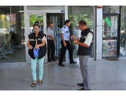 Ptt Şubesini Soyan Silahlı Şahıs Ticari Taksiyle Kaçtı