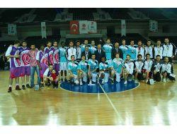 Turgut Özal Üniversitesi'nden Abd Modeli Basket Bursu